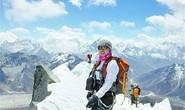 Người Trung Quốc chinh phục Everest bằng trực thăng