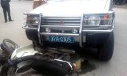 Xe biển xanh tông xe máy, 1 người bị thương nặng