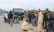 Tai nạn xe máy đấu đầu xe tải, 2 người nguy kịch