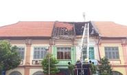 Sập mái nhà cổ cạnh Sở Ngoại vụ