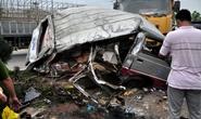 Xe tải tông bẹp nát xe khách, 12 người trọng thương