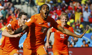 Hà Lan đầu bảng, Tây Ban Nha thắng trận danh dự