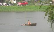 Rủ nhau tắm hồ, 1 công nhân chết đuối