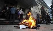 Ukraine cáo buộc cảnh sát miền Đông phản bội