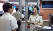 """Hành khách 74 tuổi dọa có """"hàng nóng"""" khi lên máy bay"""