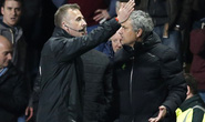 HLV Mourinho bị đuổi trong uất ức