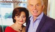 Ông Tony Blair nghiến răng chụp ảnh Giáng sinh