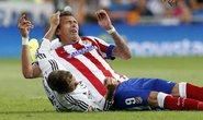 Ramos trả đũa Mandzukic bằng cú đấm