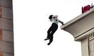 Nữ sinh nhảy lầu sau khi gian lận thi cử