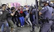 Brazil: Đụng độ trước thềm World Cup