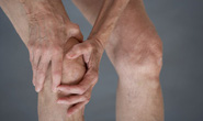 Làm sao giảm phản ứng phụ của thuốc khớp?
