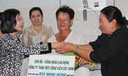 Lãnh đạo TP HCM thăm, tặng quà công nhân bệnh tim