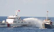 Tàu Trung Quốc tấn công vòi rồng, tàu Việt Nam đáp trả thích đáng