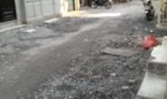 Rải đá nâng hẻm, 3 tuần chưa xong