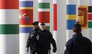 An ninh Paris lại gặp thử thách