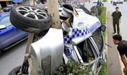 Hà Nội: Taxi mất lái, 3 người bị thương nặng