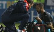 Chamberlain rủ Walcott chấn thương, HLV Wenger lo sốt vó