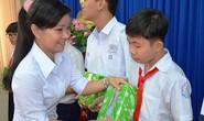 Tiếp sức con CNVC-LĐ khó khăn đến trường