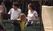 Angelina đưa con về Campuchia làm phim
