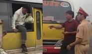 Tài xế xe buýt nhái nhồi nhét khách còn thách đố CSGT