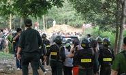 100 cảnh sát đột kích công ty cờ bạc trong nghĩa trang