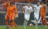 Van Persie đốt lưới nhà, Hà Lan mất luôn vé vớt