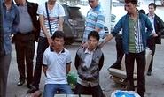 Người Lào trên xế hộp có 60 bánh heroin