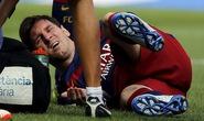 Messi chấn thương nghỉ 8 tuần, Barcelona mất ngôi đầu trước Villarreal