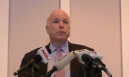 TNS McCain: Đến lúc dỡ bỏ lệnh cấm vận vũ khí với Việt Nam