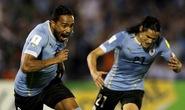 Thắng giòn giã Chile, Uruguay lên ngôi nhì bảng
