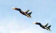 """Khám phá sức mạnh """"cặp bài trùng"""" Su-22 và Su-30"""