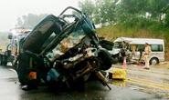 Xe đón dâu tai nạn trên cao tốc Nội Bài-Lào Cai, 11 người thương vong