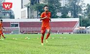 Tiền vệ Võ Huy Toàn gãy tay khi đá giao hữu