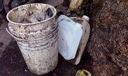 Vỡ can chứa axit, 5 người bị bỏng ở chợ Kim Biên