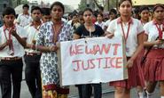 Ấn Độ: Bé gái 12 tuổi bị cưỡng hiếp 8 ngày và bị thiêu sống
