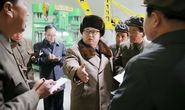 Triều Tiên hối hả bắn tên lửa trong đêm, càng bắn càng rơi ... gần bệ phóng