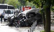 Thổ Nhĩ Kỳ: Đánh bom xe cảnh sát, hàng chục người thương vong