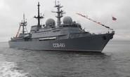 Nga điều tàu do thám giám sát Hải quân Mỹ tập trận
