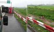 Lật xe khách trời mưa trên cao tốc, 11 người thương vong