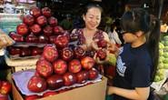 Hàng Việt ế ẩm, thực phẩm ngoại đắt hàng như tôm tươi