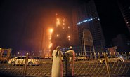 Tòa tháp UAE bốc cháy dữ dội