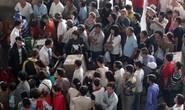 Sân bay Tân Sơn Nhất quá tải từ trong ra ngoài