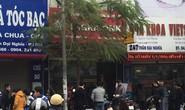 Hà Nội: 2 kẻ cầm dao xông vào ngân hàng Agribank