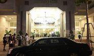 Đội siêu xe của Tổng thống Obama đang đậu trước Khách sạn Rex