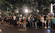 Người Sài Gòn thức khuya, quyết chờ đón Tổng thống Obama