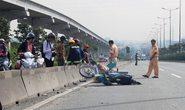 Giành đường với xe container, thanh niên chết thảm