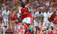 Kanu lập hat-trick, huyền thoại Arsenal hạ Milan 4-2