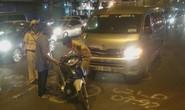Xe máy bị xe khách tông thẳng trên đường Trường Chinh