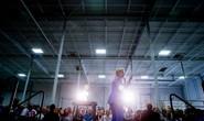 """Bà Hilary Clinton nhờ chồng """"hồi sinh nền kinh tế"""""""