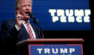 """Tỉ phú Trump tuyên chiến với """"người nhà"""""""